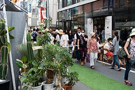 「BLOOM&BAKE グリーンマーケットin Jiyugaoka」ではオシャレな植物たちがたくさん